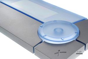 Capot de boitier de commande réalisé en Polycarbonate fumé avec application de peinture métallisée sélective