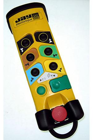 Boitier de télécommande avec protection antichocs en élastomère