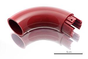 Pièce de main courante assemblée par collage, en PVC avec classement feux M1